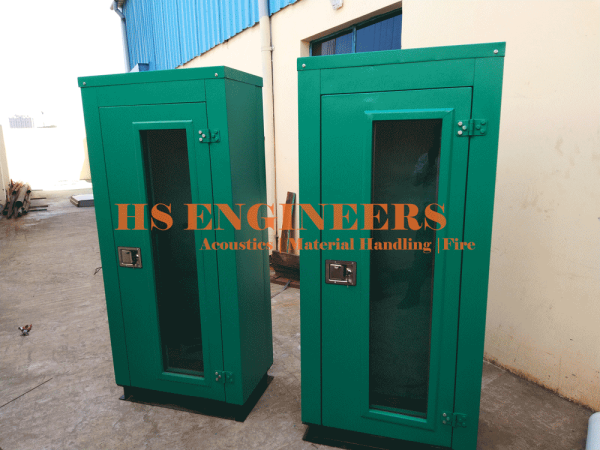 Acoustic cabinet for server