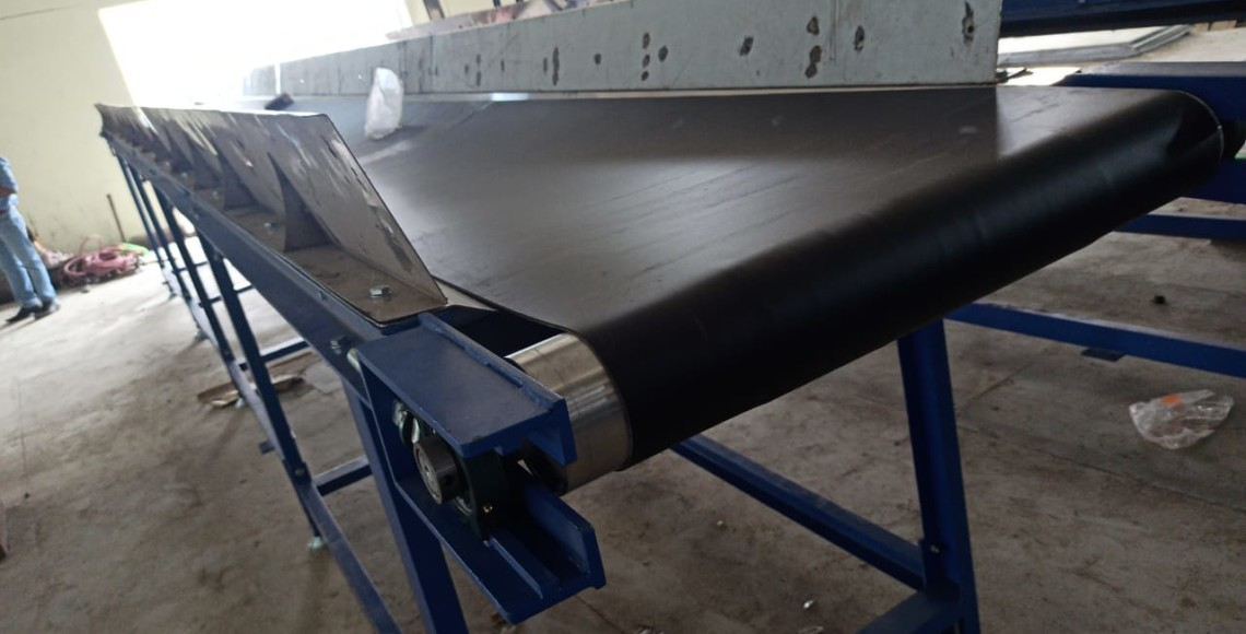 Waste Recycle sorting conveyor